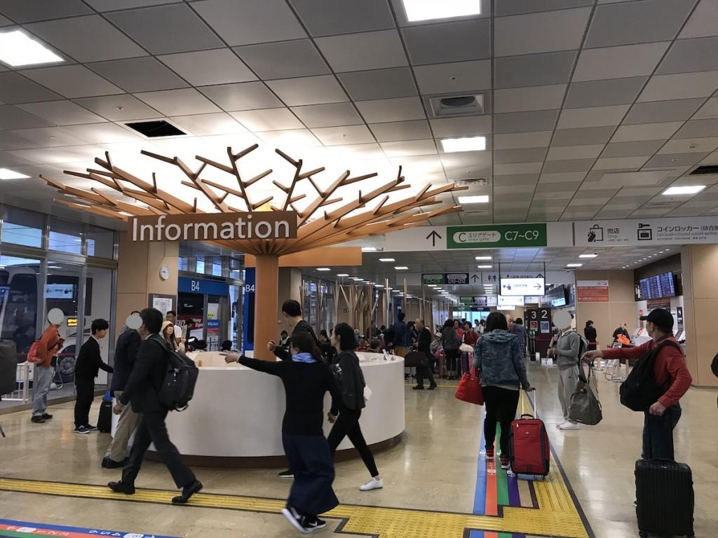 バスタ新宿 4階 待合室